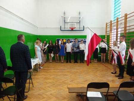 Uroczyste zakończenie roku szkolnego 2020/2021 w Szkole Podstawowej w Hołubli